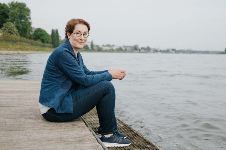 Carla Capellmann Krimi-Autorin am Rhein